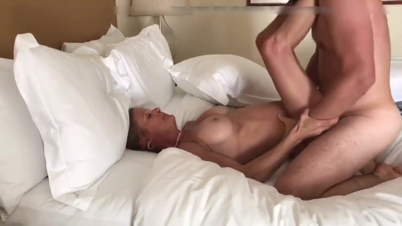 Blonde Amateur Wife Sharing